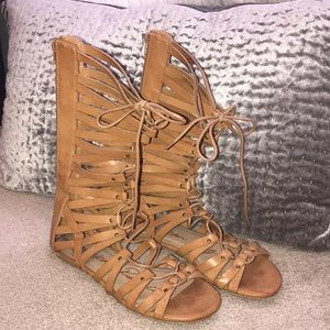 Shoes - American rag gladiator sandals